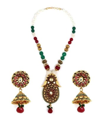 Aradhyaa Floral Gold Finished Traditional Necklace Set