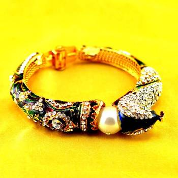 stone meenakari bracelet with adjustable