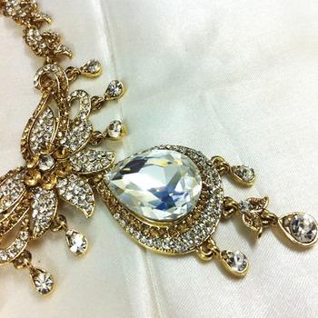 White Stone Diamond Like Fashion Jewelry Set