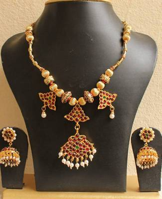 Beautiful Handmade Temple Necklace Set