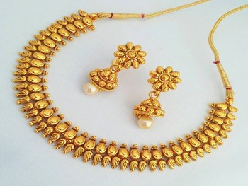 Traditional & Tempting Temple Jewelery Necklace Set