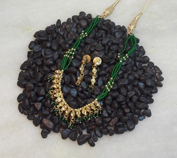 Very cute light weight kundan seed bead necklace set