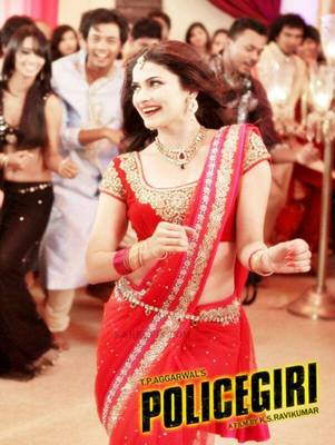 Red Prachi desai saree