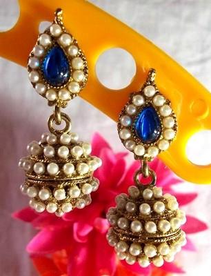 Dark blue leaf pearl jhumki earring