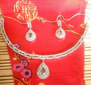 Diamond Necklace Set-100173