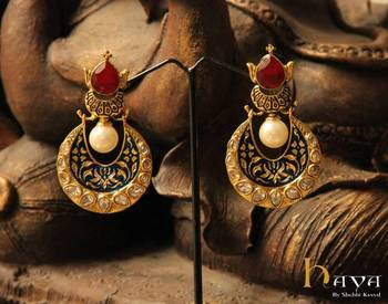 Crowning Stone Earring