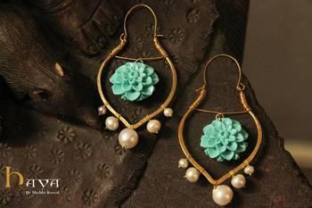 Pearls & Flower Earring