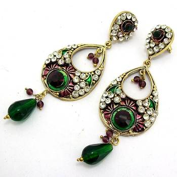 Victorian Leaf Dangler with Meena Touch Violet Green
