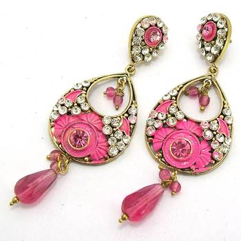 Victorian Leaf Dangler with Meena Touch Queen Pink