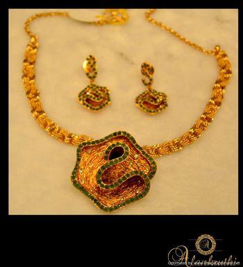 Antique Necklace Sets 10