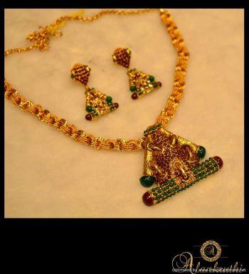 Antique Necklace Sets 13