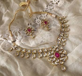 Vintage Style Kundan Necklace Set