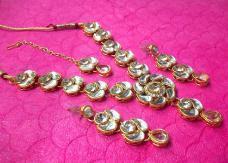 White Stone lotus Kundan Necklace Set