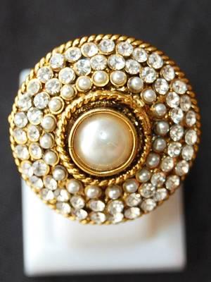 Maayra Sparkling Golden White Party Finger Ring