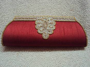 Top Diamond With Stone Border Clutch