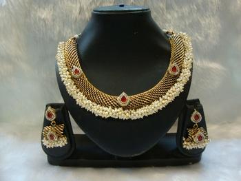 Design no. 10B.2713....Rs. 2850