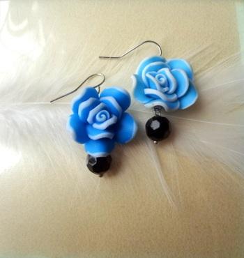 love for roses blue n black