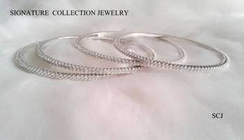 WHITE SILVER GOLD PLATED SINGLE LINE 4 PCS BANGLES