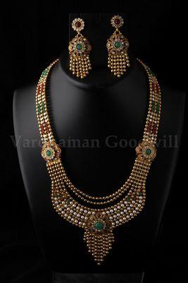 stylish rajwadi necklace and earrings