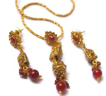 Long pendant chain set
