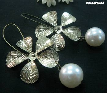 Brass_Flower_Pearl_Bead_Earrings