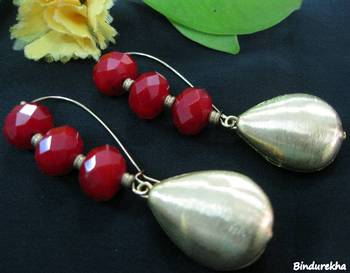 Red_Crystals_Brass_Drop_Earrings