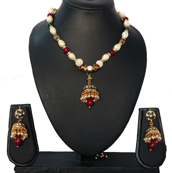 Red Green Traditional Stone Pearl Neckalce