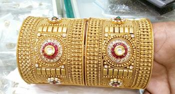 Multicolour traditional royal bangles