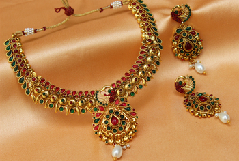 Goldplated multicolour necklace set