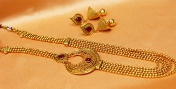 Lovely pinkcolour  long necklace set