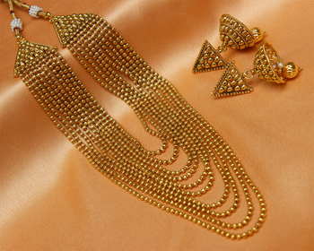 Goldplated necklace set