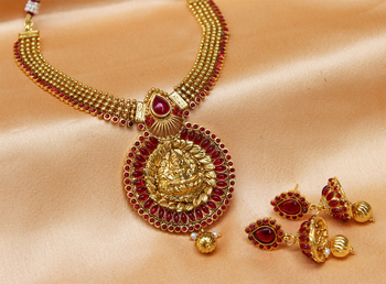 Lovely pinkcolour  laxmi necklace set