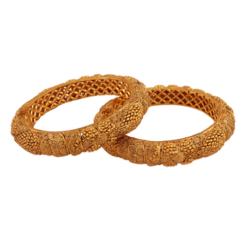 Style icon Gold plated antique bangle