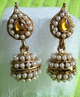 Yellow Leaf Pearl Earrings