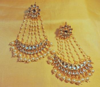 Jhoomer Kundan And Pearl Danglers