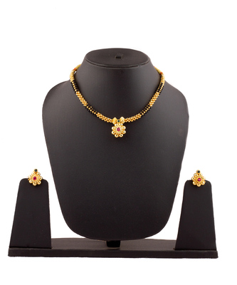 Black And Golden Mani 24K Gold Plated Alloy Necklace And Earring Set