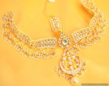 Kundan  and  Pearl Gold Look Bridal Maang Tikkda