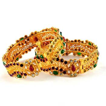 micro gold platted polki bangles with skrew system size-2.6,2.8