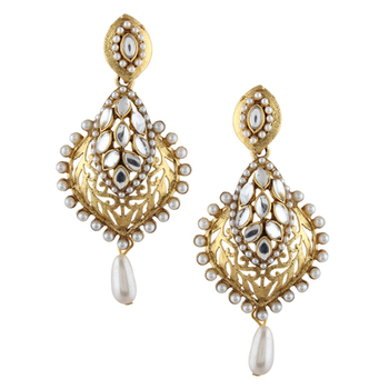 Fascinating kundan cut work faux pearl earring
