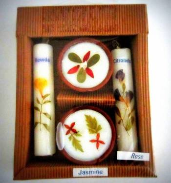 Aroma diyas and candle (2+2)