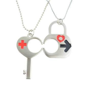 """Diovanni Friendship Pendants """" HEART WITH DART"""" dual chain Locket"""