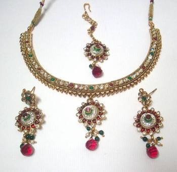 Traditional necklace 6