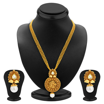 Graceful Gold Plated Kundan Necklace Set For Women