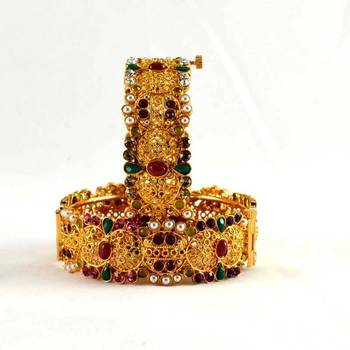 micro gold platted cz stone,polki with skrew system bangals size-2.6,2.8
