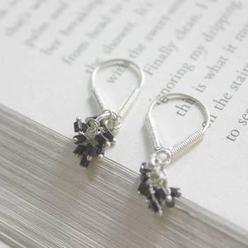 Sterling silver V shape earring-colour 5