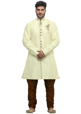 Cream Indo Western Kurta Set With Hand Embroided Buttons And Butta And Collar