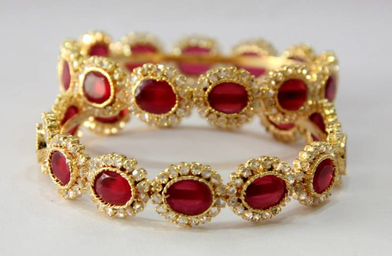 Buy Beautiful Onyx Red N Polki Stones Studded Bangles Online