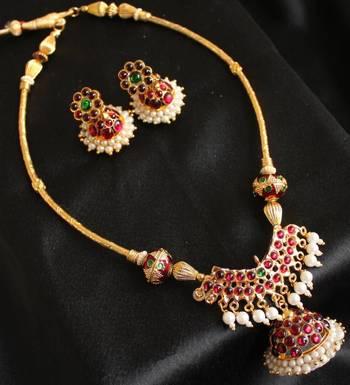 Gorgeous Unique Jhumkka Pendant Temple Jewel Set