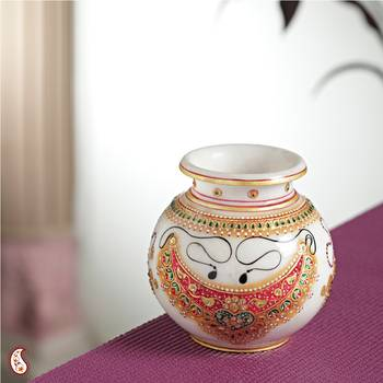 Marble Pot with jewels design