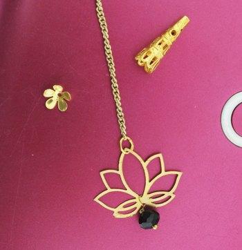 Gold And Pink Maang Tikka
